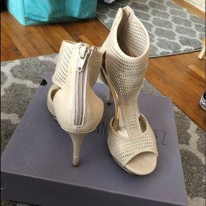 Jennifer Lopez Nude heels
